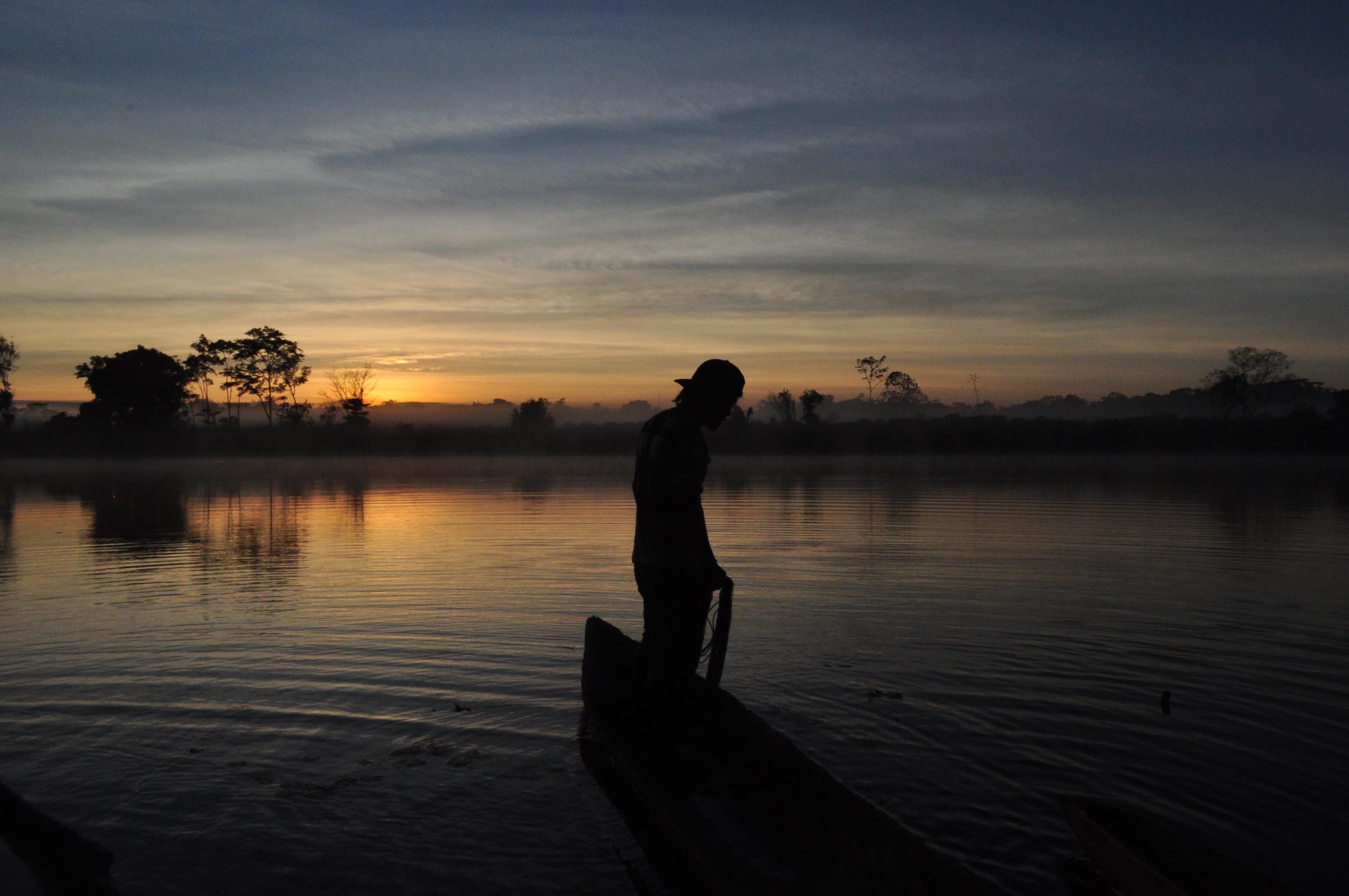 Carlos fishing in the bay of Santa Clara de Uchunya [PHOTO CREDIT: Sarah Sax]
